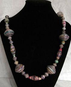 Chunky statement paper beads necklace di itsBeads su Etsy