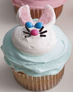 Strategically placed candies form a friendly rabbit face on these treats.  Recipe:  Easter Bunny Cupcakes