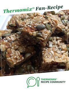 Recipe Muesli Slice by Kazzer, learn to make this recipe easily in your kitchen machine and discover other Thermomix recipes in Baking - sweet. Muesli Slice, Muesli Bars, Sugar Biscuits Recipe, Biscuit Recipe, Recipe Community, Snack Bar, Food N, Cake Cookies, Thermomix