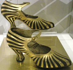gold strips for flappers | by in pastel