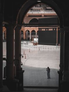 Muslim Images, Islamic Images, Islamic Pictures, Islamic Art, Islamic Wallpaper Hd, Mecca Wallpaper, Black Wallpaper, Ramadan Mubarak Wallpapers, Mecca Masjid