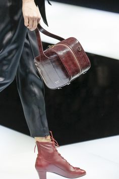 Giorgio Armani Fall 2017 Ready-to-Wear Fashion Show Bags 2017, Bowling Bags, Leather Design, Luxury Bags, Fashion Handbags, Giorgio Armani, Bucket Bag, Leather Bag, Ready To Wear