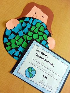 Earth Day Craftivity and Mini Unit Earth Day Mosaic Craft makes a nice bulletin board display and Earth Day mini-Unit for Kindergarten Social Studies, Kindergarten Science, Earth Day Activities, Spring Activities, Holiday Activities, Art Activities, Spring School, School Fun, School Ideas
