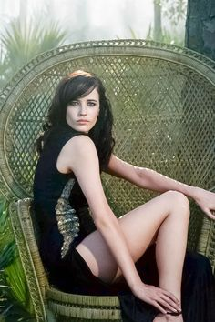 Eva Green is a French actress and model known for The Dreamers, Camelot, Dark Shadows, Casino Royale, Sin City and as Vanessa Ives in Penny Dreadful. Actress Eva Green, Star Francaise, Greg Williams, Green News, Beautiful People, Beautiful Women, Sophie Marceau, Bond Girls, Actrices Hollywood