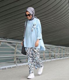 The finest of Modest Fashion for every Muslima Modern Hijab Fashion, Muslim Women Fashion, Pakistani Fashion Casual, Street Hijab Fashion, Modesty Fashion, Pakistani Dresses Casual, Fashion Outfits, Stylish Hijab, Hijab Fashionista