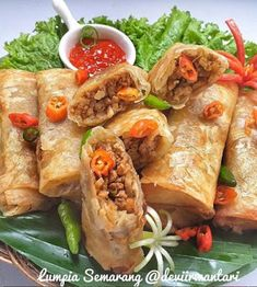 Indonesian Desserts, Indonesian Food, Lumpia, Semarang, Recipe Details, Food And Drink, Pizza, Cooking Recipes, Snacks