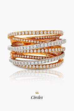 Dominantný a neprehliadnuteľný. Ďalší z kolekcie Unikátnych šperkov Mikuš Diamonds, 174-mi diamantmi osadený prsteň Circles, sa bude na ruke svojej šťastnej majiteľky vynímať rovnako, ako kométa na oblohe. Jednoduchý, zároveň však do detailov premyslený dizajn a skĺbenie ružového zlata s bielym, vo vynikajúcej 18-karátovej akosti, prinesie radosť a šťastie do vášho života, vlastniť takýto statement kúsok je totiž snom nielen extravaganciu milujúcich dám.