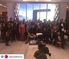 O grupo completo  #Repost @arquitetorio with @repostapp.  #ArquitetorioViaja | Nossa primeira parada foi no Espaço Deca que nos recebeu com um delicioso brunch. by aldeiaacabamentos http://ift.tt/1YD9j5A