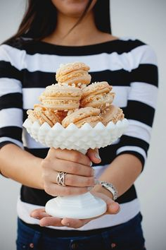 Who needs popcorn? Macarons for Movie Night with @Camille Styles (via Glittle Guide)