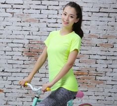 Comaba Womens Slim Fitting Crop Leisure Active Workout 2pcs Set Activewear