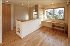 家族の楽しい会話も増える対面キッチンです。|キッチン|自然素材|収納|ニッチ|新築|創業以来、神奈川県(秦野・西湘・湘南・藤沢・平塚・茅ヶ崎・鎌倉・逗子地区)を中心に40年、注文住宅で2,000棟の信頼と実績を誇ります|