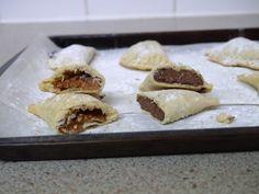 {Nutella + Biscoff spread} This Muslim Girl Bakes: Double Cookies + Custard Slice Week + Nutella Pastries: 28 November - 4 December 2015.