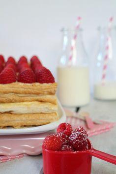 Cook the cake: Tarta milhojas de hojaldre con crema pastelera y frambuesas