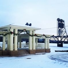 The holiday decorations are up in @discoverstillwater! Visit the charming town to experience caroling, sleigh rides, holiday tours, see reindeer and meet Santa! #historicstillwater #OnlyinMN