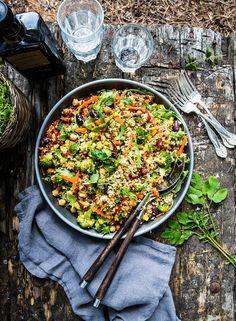Ljummen bulgursallad - Landleys Kök Veggie Recipes, Snack Recipes, Healthy Recipes, Snacks, Veggie Food, Healthy Foods, Sugar Cravings, Paella, Food Inspiration