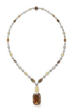 Emerald Jewelry, High Jewelry, Gemstone Jewelry, Diamond Jewelry, Diamond Necklaces, Jewellery, Jewelry Design Drawing, Colored Diamonds, Brown Diamonds