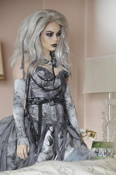 A Very Pretty Little Liars Christmas Special: OK, first of all: what is going on with Mona (Janel Parrish)?