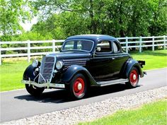 ✿1935 Ford Coupe✿ Vintage Auto, Vintage Cars, Antique Cars, Ford Classic Cars, Old Fords, Automotive Art, Collector Cars, Old Trucks, Ghosts