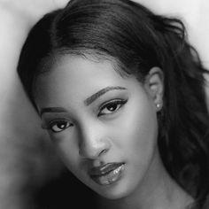 sira kante at DuckDuckGo Beautiful Black Girl, Most Beautiful Women, Beautiful People, Sira Kante, Spanish Girls, Ebony Beauty, Black Beauty, Brown Girl, African Beauty