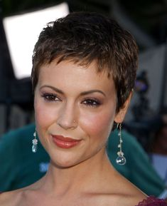 Must-See: Alyssa Milano Chopped Her Hair Into a Pixie! Alyssa Milano ReCreates Her Chic Charmed Pixi Short Curly Pixie, Pixie Cut With Bangs, Short Pixie Haircuts, Pixie Hairstyles, Pixie Cuts, Very Short Hair, Short Hair Cuts For Women, Alyssa Milano Hair, Celebrity Haircuts