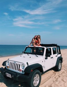 Check out this splendid jeep Cherokee - what an original style Auto Jeep, Jeep Jeep, Dream Cars, My Dream Car, Dream Life, Cute Friend Pictures, Best Friend Pictures, Friend Pics, Toyota Prius