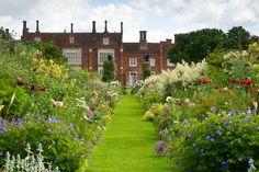 Helmingham Hall Gardens | Perennial