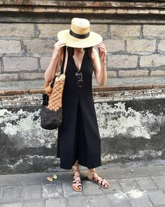 Straw Summer Vacation Outfits, Sunday Outfits, Travel Clothes Women, Style Challenge, Fashion Outfits, Womens Fashion, Fashion Hats, Fasion, Summer Wardrobe