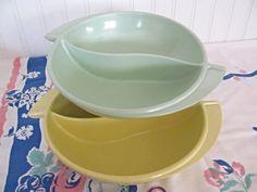 Boonton Divided Serving Bowls Yellow Green by CheshiresFantasy