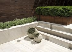 """Before & After: From """"Fishbowl"""" Townhouse Garden to Private Oasis, in Manhattan (Gardenista: Sourcebook for Outdoor Living) Limestone Pavers, Travertine Pavers, Backyard Patio, Backyard Landscaping, Patio Wall, Patio Roof, Backyard Ideas, Townhouse Garden, Building A Patio"""