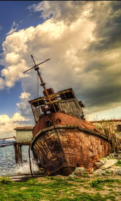 Old ship ... by Nurdan Dokuzoğuz / 500px (North Cyprus)