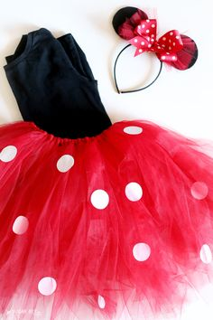 DIY Minnie Mouse Costume (yep, NO sew!) - and vacation GIVEAWAY! - Sugar Bee Crafts