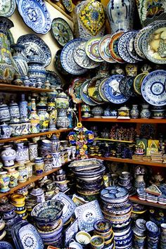 Talavera poblana son coloridos de la cerámica. Estos se pueden encontrar en la ciudad de Talavera de la Reina, España.