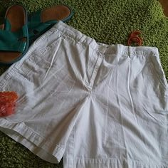 Cool Ralph Lauren shorts Excellent condition. No stains, snags, pulls, flawless. 100%cotton. 16 1/2 waist, 20 1/2 hip, 18 inches in length. Ralph Lauren Shorts