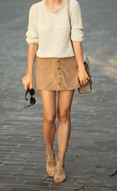 As Fall approaches keep your suede skirt outfits in neutral colours. Pair it with a knit sweater and suede sandals. Via Helena Glazer Skirt: Express, Sweater: Theory, Shoes: Aquazzura, Bag: Celine Fashion Mode, Look Fashion, Womens Fashion, Fall Winter Outfits, Autumn Winter Fashion, Skirt Outfits, Cute Outfits, Suade Skirt Outfit, Suede Mini Skirt