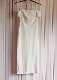 À vendre sur #vintedfrance ! http://www.vinted.fr/mode-femmes/robes-longues/24122418-robe-longue-moulante-blanche-zara