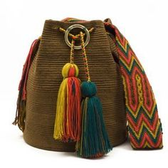 susuu Crochet Beanie, Knit Crochet, Quirky Girl, Knitting Patterns, Crochet Patterns, Handmade Handbags, Tapestry Crochet, Crochet Purses, Yarn Projects