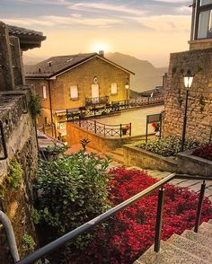Golden hour in San Marino  ⋅ ⋅ #rimini #emiliaromagna #italy #vscocam #nikon #igersitalia #sanmarino  #ig_italy #gf_italy #instaitalia #italian_places #ig_italia #italian_trips #italy_vacations #top_italia_photo #vivo_italia #loves_madeinitaly  #igworldclub #ig_europe #ig_europa  #topeuropephoto #europe_vacations #cbviews #ig_world_colors  #Main_Vision #worldplaces  #theworldshotz #kings_villages  #travellingthroughtheworld