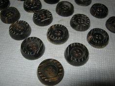 20 Stück Büffelhornknöpfe Braun4 Loch konischDurchmesser