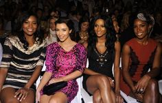 Pin for Later: Kim Kardashian, de Party Girl à Hot Mama  Kim, Gabrielle Union, Ciara, et Kelly Rowland lors de la New York Fashion Week en Septembre 2009.
