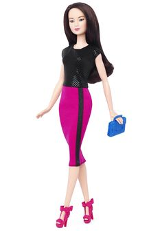 Las niñas tienen ahora infinitas maneras de recrear increíbles historias e impulsar su imaginación a través de Barbie. Además de mayor diversidad, nos enorgullece presentar tres nuevos estilos de cuerpo en la línea de producto. Aquí está un detrás de cám