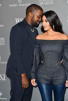 Kim Kardashian puts on a loved-up display with Kanye West at WSJ Magazine Innovator Awards Estilo Kardashian, Kardashian Style, Kardashian Jenner, Kardashian Fashion, Kourtney Kardashian, Celebrity Dresses, Celebrity Style, Midnight Blue Suit, Kim K Style