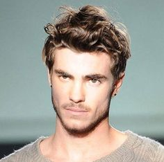 Men's Short & Shaggy Hairstyle for Thick Hair