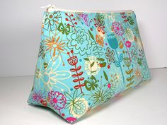 Easy Cosmetics Bag Sewing Pattern ~ Free