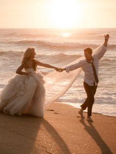 Hochzeitslieder: Die 11 schönsten Klassiker - Mit diesen klassischen Hochzeitsliedern wird Ihre Feier wunderschön und Ihr erster Tanz als Ehepaar unvergesslich.