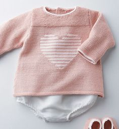 Modèle brassière motif coeur bébé