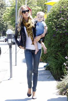 Kristin Cavallari blonde nfl jay cutler the hills mtv camden lemonade heels jeans leather jacket sunglasses