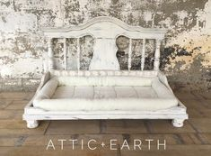 This shabby chic pet bed has a painted distressed finish. Shabby Chic Interiors, Shabby Chic Homes, Shabby Chic Furniture, Shabby Chic Beds, Dog Furniture, Furniture Ideas, Building Furniture, Furniture Makeover, Diy Dog Bed