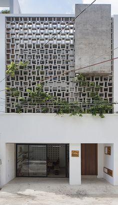 Home Building Design, Building Facade, Brick Facade, Facade House, Decorative Concrete Blocks, Facade Design, Facade Architecture, Modern House Design, Decoration