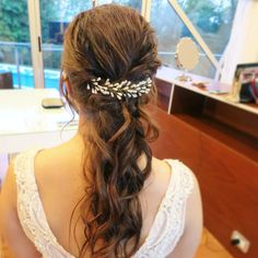 Para Vale hicimos un peinado de fiesta semirecogido diseñado para su boda #bride #bridalhair