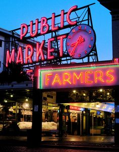 Stroll through Seattle's famous Pike Place Market